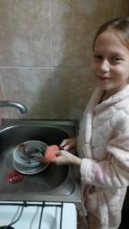 Мытьё посуды.